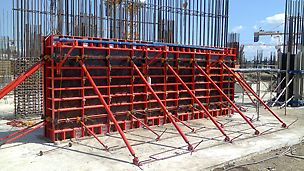 Formwork solution to adapt with strong wind conditions