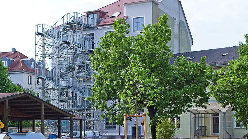 peri-up-rosett-treppe-public- ...