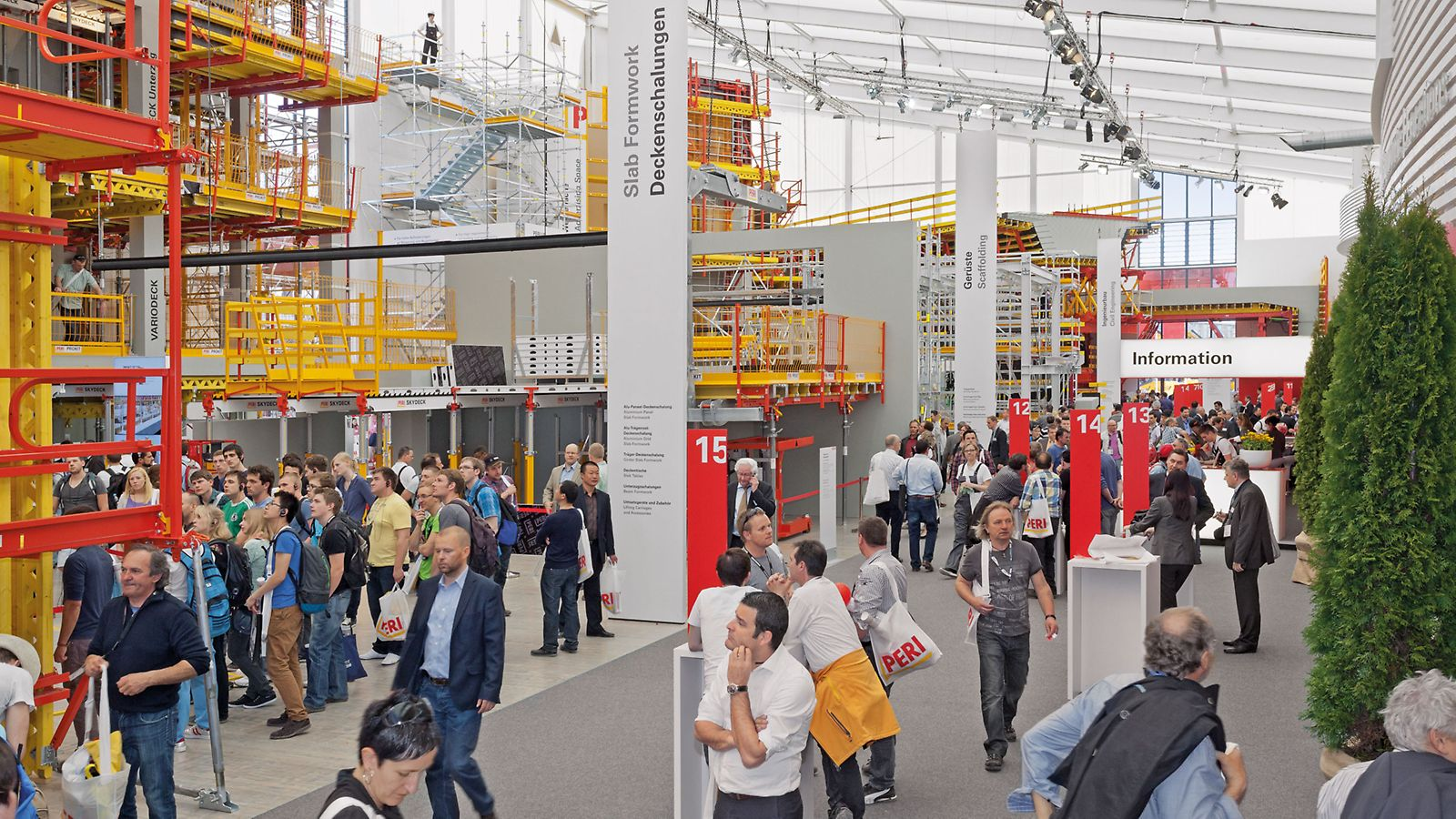 Bauma is the world's leading exhibition in the construction industry. Scaffolding, formwork and services are the main fields for PERI.