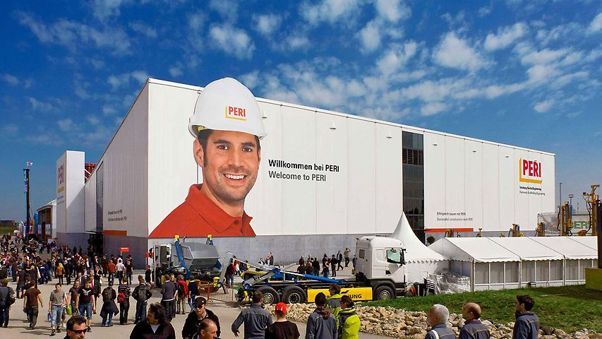 The over 4000m² large exhibition hall of PERI at the bauma 2010