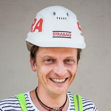 Priemyselný park, Prievidza, Slovensko - Ing. Milan Kubiš, stavbyvedúci - Kooperatívny prístup zamestnancov a flexibilita systémov PERI výrazne napomohli dodržaniu časového harmonogramu stavby.