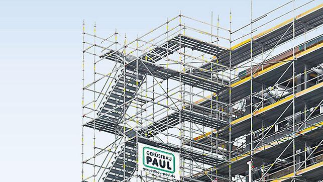 Die Treppe für 3,0 kN/m² wird als 10-stieliger Turm mit gegenläufigen Treppen und separaten Podestfeldern aufgebaut. Die Podestbreiten sind beliebig wählbar, sollten jedoch mindestens die Breite der Treppe aufweisen.