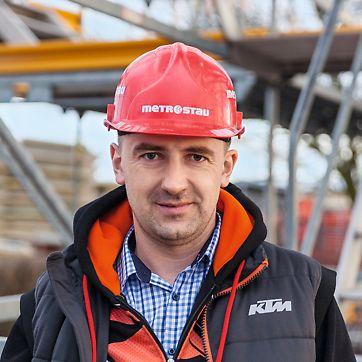 Petr Hanzal, stavbyvedoucí