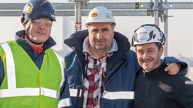 Gruppenbild mit Tom Plata (Sicherheitsfachkraft), Ralf Wolf (Betriebsleiter) und Fernando Alonso (Bauleiter) bei Intering GmbH, Gerüstbauabteilung, Leuna