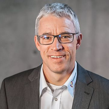Porträt von Markus Peterek, geschäftsf. Gesellschafter bei Pfirmann Industriebau GmbH & Co. KG, Pforzheim