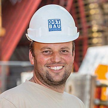 Porträt von Sören Dickescheid, Bauleiter von Ost Bau GmbH, NL Magdeburg und Zwickau