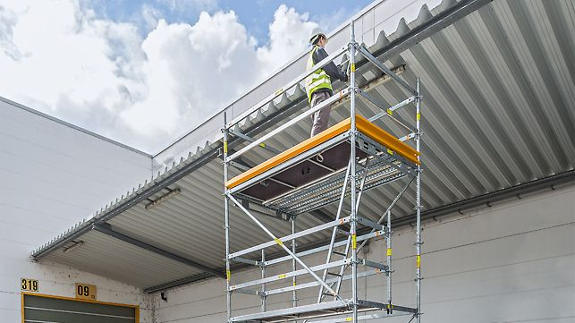 Working platforms in different heights and dimensions can be combined from the system components. These can even by moved by hand with optional castors.