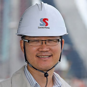 Marina Bay Sands: Yoon Chul Ahn, Construction manager