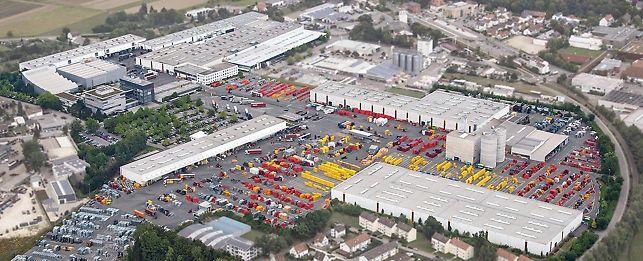 Veduta aerea dello stabilimento PERI a Weissenhorn, in Germania