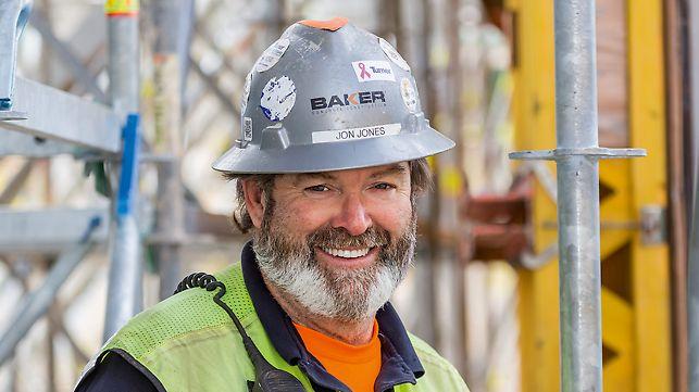 Porträt von Jon Jones, Projektleiter bei Baker Concrete Construction Inc
