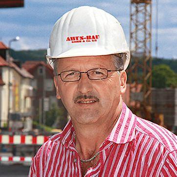 Porträt von Klaus Schmidt, Bauleiter von AWUS-Bau GmbH & Co. KG, Aalen und Rossaro Baugruppe, Aalen