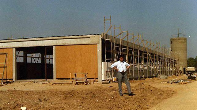 La primera nave de producción de PERI se construye en los 6.000 m² de la empresa  en Weissenhorn en 1969.