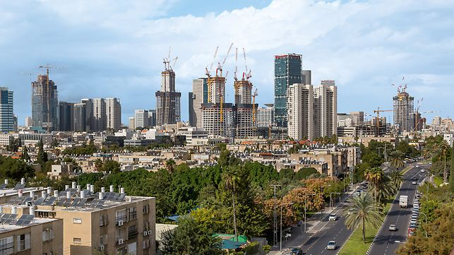 Skyline of Tel Aviv with a view of the construction site for the Alon Towers