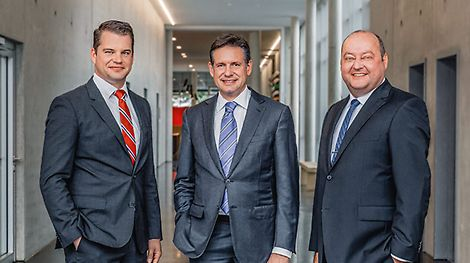 "In April 2014, Dr. Fabian Kracht becomes Head of Finance and Organization. From May 2015 on, Leonhard Braig joins PERI as Head of Products and Technology. (from the left) Dr. Fabian Kracht, Alexander Schwörer and Leonhard Braig I april 2014 blir Dr. Fabian Kracht ""Head of Finance and Organization"". Fra mai 2015, blir Leonhard Braig med PERI som ""Head of Products and Technology"". (fra venstre) Dr. Fabian Kracht, Alexander Schwörer og Leonhard Braig"