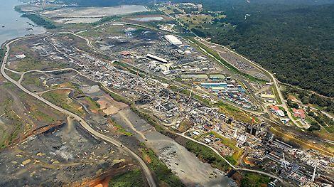 Der Neubau der riesigen Schleusenanlagen an der Atlantik- und Pazifikküste ist der größte Einzelauftrag der Unternehmensgeschichte. Der Einsatz großer SCS Klettereinheiten macht die Herstellung der massiven Schleusenbauteile wirtschaftlich.