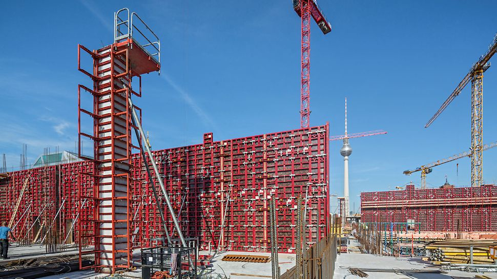 "PERI MAXIMO and QUATTRO formwork - PERI Project - ""Humboldt Forum"" City Palace, Berlin"