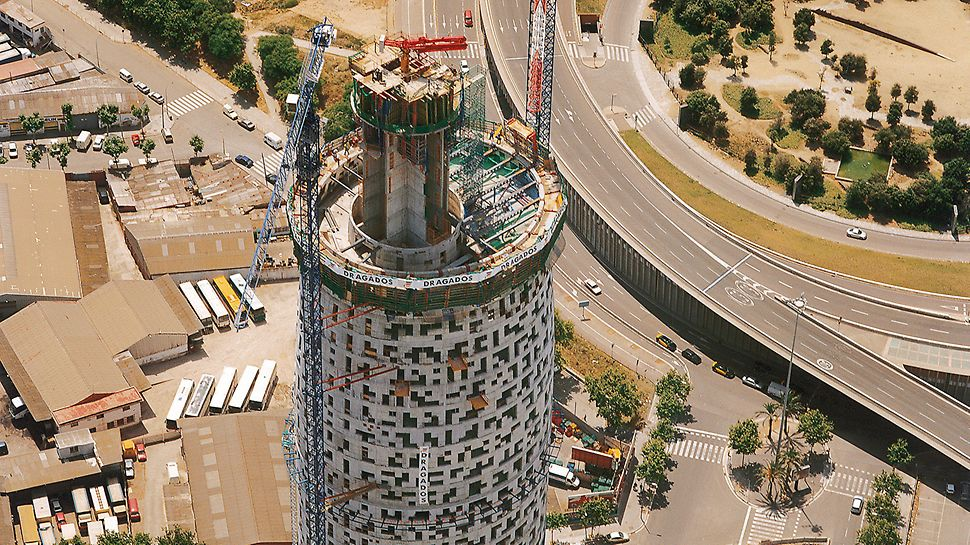 Torre Agbar, Barcelona, Spain - The outer wall of the core is completed with the elevator cores being constructed to above the 35th floor.
