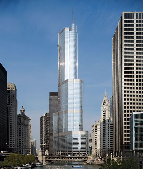 Trump International Hotel & Tower, Chicago, USA - The Chicago skyline is dominated by the 415 m high Trump International Hotel & Tower.