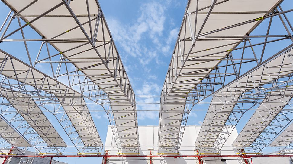 LGS Weather Protection Roof from PERI, the lattice girder system for weather protection, rain protection, snow protection, hail protection.
