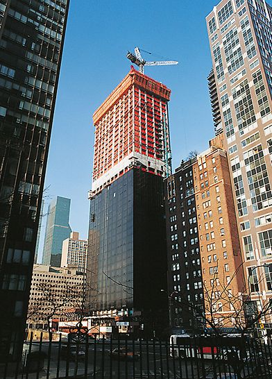 Trump World Tower III, New York, USA - The ACS-R self climbing system was designed for wind speeds of up to 164 km/h.