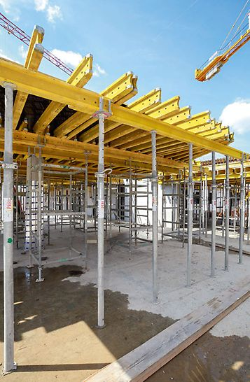 PERI's Universal wooden formwork girder with a 20 cm overall height, optimized for use in slab formwork operations, cost-effective use also for special solutions