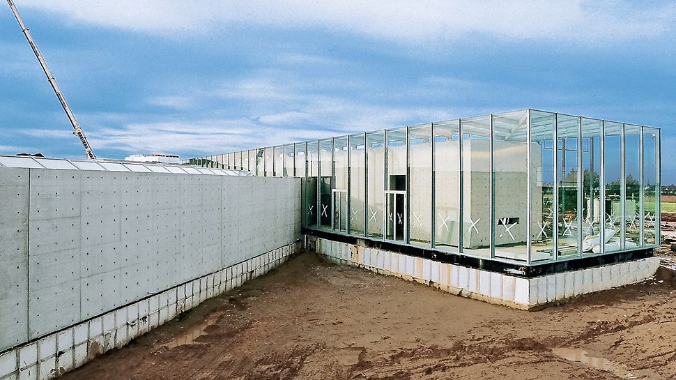 Langen Foundation, Neuss-Hombroich, Germany - The glass veranda area is used to exhibit Japanese works of art from the last millennium.