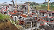 Lock facilities, Panama Canal, Panama - More than 12 months after starting the development work on the Panama Canal, the dimensions and the massive structural elements are clearly visible.