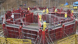 Limited crane availability and tight time schedule Formwork solution to adapt with strong wind conditions