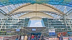 Bauen im Bestand, Forumdach des Flughafens München