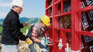Je nach System- und Kundenanforderung übernehmen Richtmeister die fachgerechte Einweisung des Baustellenteams.