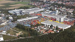 Vedere panoramică aeriană a companiei PERI. Sediul central - Weissenhorn.