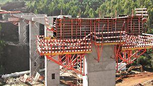 V2 (Rib.ª da Mata) - Consolas de apoio SB e KG240 para capitéis. Sistema de cofragem PERI TRIO e VARIO. Torres de escadas PERI UP ROSETT.