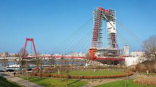 Die zu sanierende Willemsbrücke ist eine wichtige Straßenverbindung zwischen der Rotterdamer Nord- und Südstadt. Deren uneingeschränkte und gefahrlose Nutzung ist auch während der Gerüstbau- und Sanierungsarbeiten zu gewährleisten.