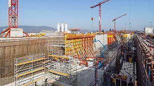 Cofraj, schelă, tehnică: PERI a asigurat suport operațiunilor de lucru prin crearea unui concept de cofraje și eșafodaje specific proiectului. (Foto: PERI GmbH)