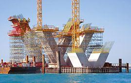 Most Sheikh Khalifa w trakcie realizacji z użyciem PERI VARIO GT 24