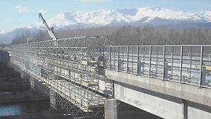 Nessun ingombro, massimo risultato con PERI UP per il risanamento delle travi del viadotto sul fiume Dora Baltea