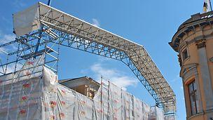 Sääsuojan ristikkopalkin jänneväli on noin 35 metriä.