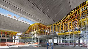 Banco de la Ciudad de Buenos Aires - Standardisierte Baukastensysteme sowie die Planung und Lieferung von Schalung und Gerüst aus einer Hand machen die PERI Projektlösung wirtschaftlich, zudem wird der Bauablauf wesentlich beschleunigt.
