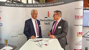 Schirmherr von Deutschland baut! e.V. und Bundesbauminister a.D., Herr Dr. Peter  Ramsauer im Gespräch (Foto: Deutschland baut! e.V.)
