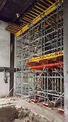 Bukóza Hencovce, Vranov nad Topľou - Kombinácia lešenia PERI UP Flex, vysokoúnosných nosníkov HDT, ako aj podperných veží ST 100 a stropných stojok MULTIPROP.