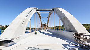 Mosty kolejowe nad korytem rzek Skawa i Stryszówka