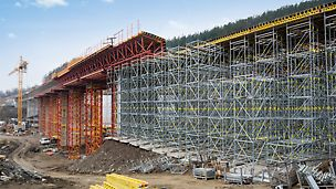 The PERI bridge formwork concept was based on rentable modular construction systems with standardized components.