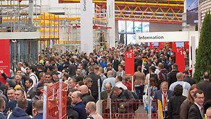 Ein guter Start ins Jahr 2016: Während der Weltleitmesse bauma besuchten rund 175.000 Besucher die eigens errichtete PERI Halle in München. Ganz besonderes Interesse galt den Produktinnovationen PERI DUO und PERI UP Easy.
