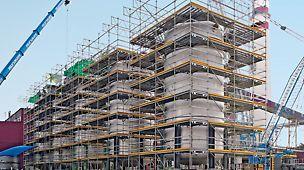 Systemowe dostosowanie do budynku dla pełnego bezpieczeństwa.