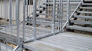 Treppen und Podeste sind aufgrund der Zwischengeländer auch bei breiten Treppenanlagen sicher zu begehen. Die Stahlbeläge für die Stufen sind über sicher verschraubte Geländer gegen Demontage gesichert.