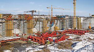 PERI Weißrussland erarbeitet ein umfassendes Schalungs- und Traggerüstkonzept für jeden Bauzustand.