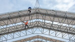 PERI Weather Protection Roof - mounting a girder segment