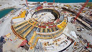 St. Martins Therme & Lodge: S optimálním systémem bednění a lešení PERI na každou část stavby lze hrubou stavbu těchto termálních lázní se specifickým tvarem dokončit za devět měsíců.