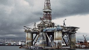 Offshore Platform RIG 140, Las Palmas, Spain: PERI UP Flex proves to be a suitable solutions for all oil and gas projects, onshore and offshore, as it provides access even in challenging conditions like at the Offshore Platform RIG 140 in Las Palmas.