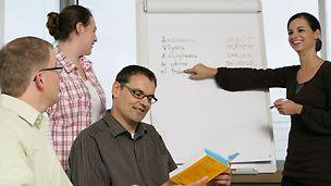 PERI Mitarbeiter in einem Sprachkurs
